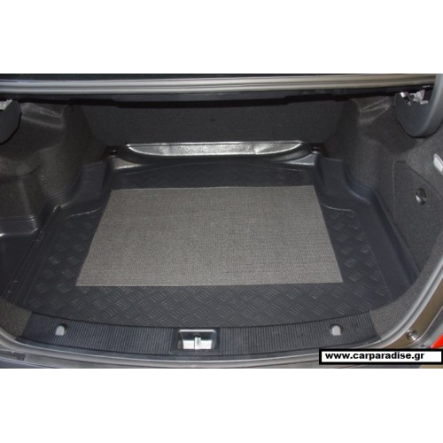 Mercedes C W-204 S4 2007 back seats not leaning